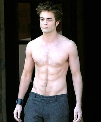 400_rpattinson_shirtless_090527_INFphoto_985991