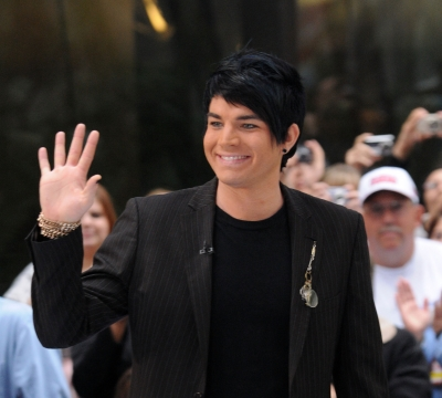94032_adam-lambert-appears-on-nbcs-today-show-at-rockefeller-center-on-may-28-2009-in-new-york-city