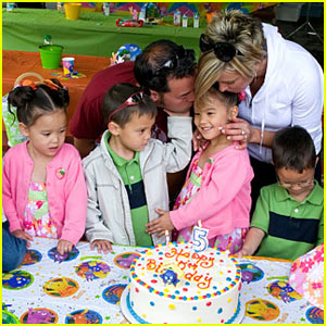 Just_Jared_Celebrity_Babies_87877_jon_kate_plus_8_sextuplets_birthday_celebration